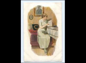 Y13551/ Frau liest einen Brief Künstler AK 1916