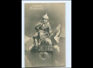 Y13545/ Junge in Uniform mit Pickelhaube Neujahr 1. Weltkrieg Foto AK