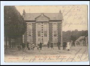 U8866/ Margival - Le Mairie et l`Ecole sur la Place Frankreich AK 1915 -028-