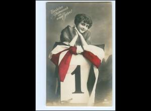 Y14170/ Neujahr junge Frau schöne Foto AK ca.1914