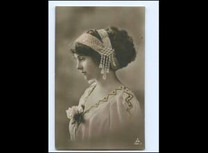 Y13987/ Junge Frau Haarschmuck Foto AK 1912