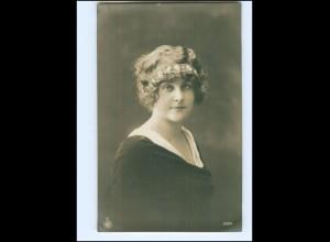 Y13981/ Junge Frau mit Haarkranz NPG Foto AK 1916