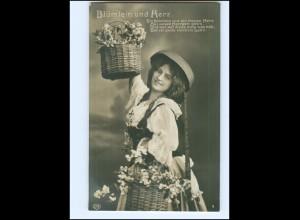 """Y14025/ Frau mit Blumenkorb """"Blumlein und Herz"""" Foto AK 1909"""