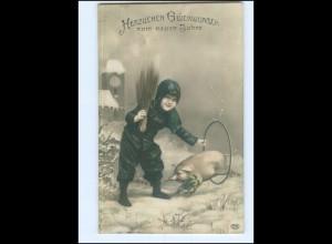Y14024/ Neujahr Foto AK Junge als Schornsteinfeger, Schwein 1908