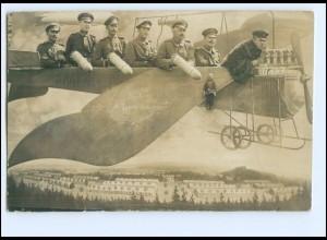 U9089/ Richtung Argonnen Soldaten im Flugzeug mit Bomben Fotomontage AK WK1 1915