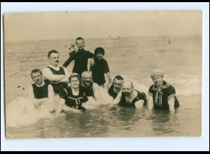 Y14594/ Badeleben Foto AK ca. 1920