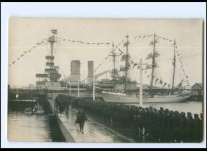 Y18659/ Hindenburg besucht das Schulschiff Niobe Skagerakfeier 1927 Foto AK