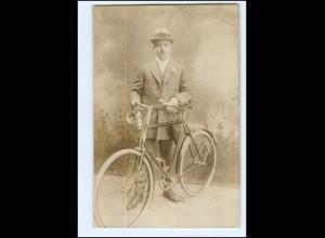 U9695/ Mann mit Fahrrad Foto AK 1910