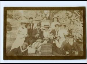 Y15412/ Studenten und Frauen trinken Wein Foto AK ca.1910