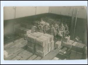 Y15633/ Hafenarbeiter Schiffsbeladung Foto AK ca.1925