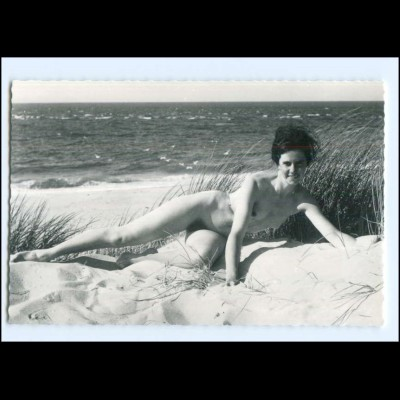XX009223/ Erotik Frau nackt in den Dünen AK ca.1965