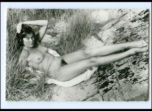 XX009222/ Erotik Frau nackt in den Dünen AK ca.1965