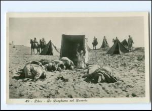 U9968/ Libia Libyen - La Preghiera en Deserto Foto AK ca.1935