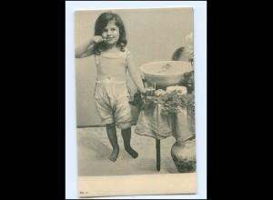 Y16189/ Mädchen putzt sich die Zähne AK ca.1900