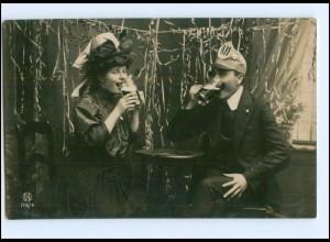 Y16117/ Frau und Student trinken Bier Karneval Fasching Foto AK 1907