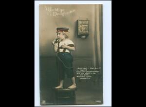 V073/ Junge in Uniform telefoniert Telefon NPG Foto AK 1918