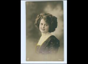 Y16075/ Junge hübsche Frau Foto koloriert AK ca.1910