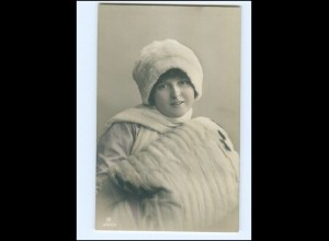 Y16032/ Frau mit Pelzstola Pelzmütze Foto AK ca.1910
