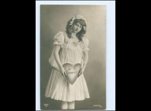 Y16031/ JUnge Frau mit Herz Foto AK 1907