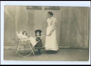 Y16199/ Mutter Kinder Baby Kinderkarre Hochstuhl Foto AK ca.1912