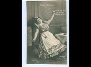 Y16179/ Schauspielerin Josephine Dora - Moderne Dienstboten Foto AK ca.1910
