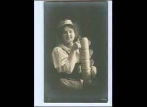 Y16070/ Junge Frau mit Bierkrug Bier NPG Foto AK 1908