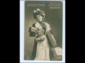 Y16204/ Geburtstag Hausangestellte bringt Geschenke Foto AK 1910