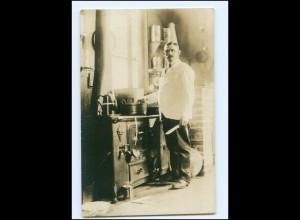 Y16137/ Koch in der Küche Foto AK ca.1912