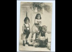 Y16157/ Kinder waschen Wäsche schöne Foto AK 1910