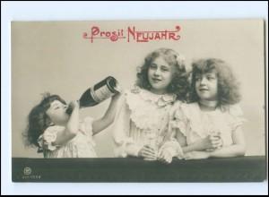 Y16175/ Neujahr Mädchen trinken Sekt schöne NPG Foto AK 1906