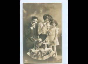 Y16174/ Familie Kuchen Bowle Neujahr Foto AK 1919