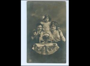 Y16173/ Familie trinkt Bowle Neujahr Foto AK 1912