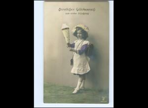 Y16170/ Einschulung Schule Mädchen mit Schultüte Foto AK 1914