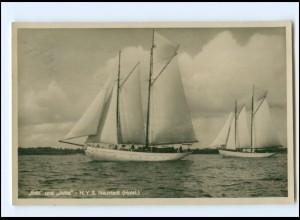 V109/ Neustadt Holstein Segelboote Edit und Jutta Yachtschule Foto AK 1932