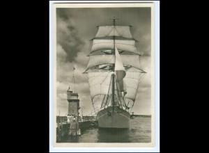 V121/ Schulschiff Niobe macht seeklar, Kiel Foto AK 1932 Segelschiff