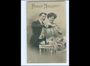 Y16527/ Neujahr junges Paar trinkt Sekt Foto AK 1910