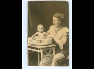 Y16538/ Mutter wäsche Baby in der Waschschüssel AK 1914