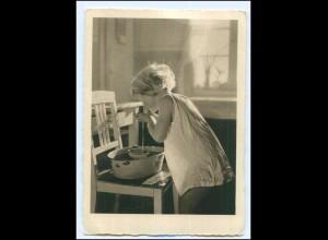 Y17221/ Mädchen wäscht sich AK ca.1940