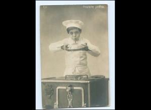 Y17776/ Junge aus Koch Omelette Souffle Foto AK .1900