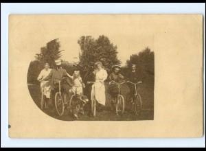 V431/ Familie mit Fahrrad Foto AK 1908