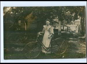 V441/ Frau mit Fahrrad Foto AK ca.1910