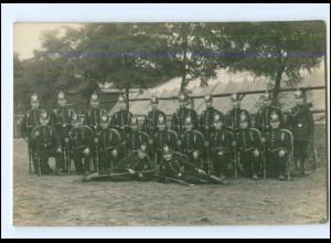 V686/ Soldaten Jäger mit Tschako Helm Foto AK ca.1914 Sennelager?