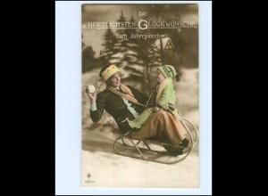 Y17115/ Neujahr Mutter und Kind Schlitten 1917 Foto AK