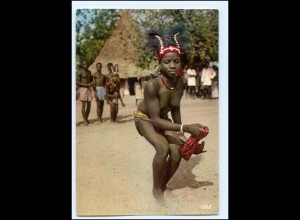 Y17898/ Dancing Girl Afrika junge Frau nackt AK