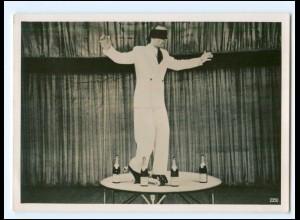 Y18204/ Rollschuh-Artist Georg Spindler Foto ca.1955 Variete