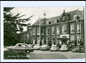Y18599/ Enschede R.K. Ziekenhuis AK Autos VW Käfer ca.1960