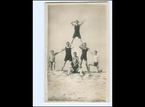 V1570/ Junge Männer am Ostseestrand Foto AK ca.1925 Badeleben