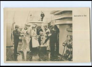 XX13399/ Marineleben Foto AK Adolph Engel, 1905 Waschmädchen an Bord