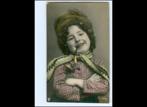 Y19188/ Hübsches Mädchen mit Pfeife Foto AK 1909