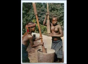 Y19093/ Guinea Frauen nackt Afrika AK